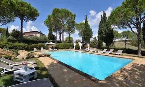 elegante villa tra i vigneti toscani con piscina e jacuzzi